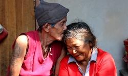 """""""รักแท้"""" ของยายขายน้ำตาลสด กับสามีตาบอด"""